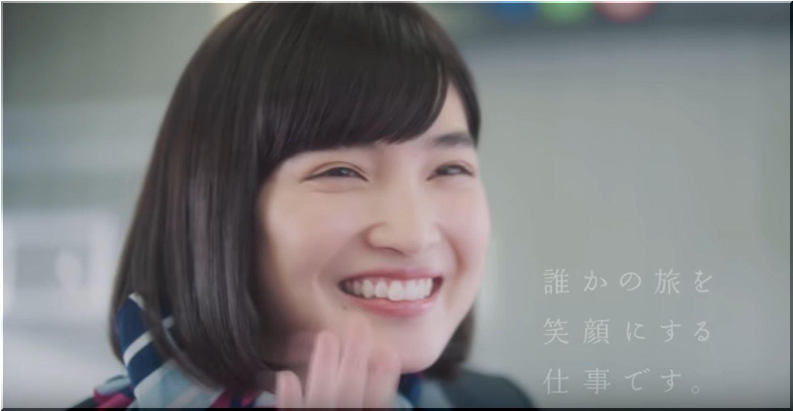 【JR・J-CreationCM】ホームの少女に笑顔で手を振るアテンダントは誰?